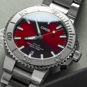 A Stunning New Oris Aquis with a RED Dial - Oris Aquis Date 41.5mm Cherry Review